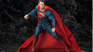 Superman MAN OF STEEL ARTFX Statue - Geek Decor