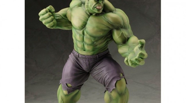 Hulk Statue - Geek Decor