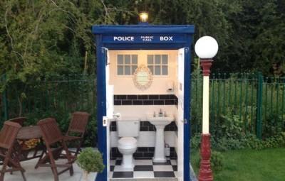 The TARDIS Dr. Who Loo