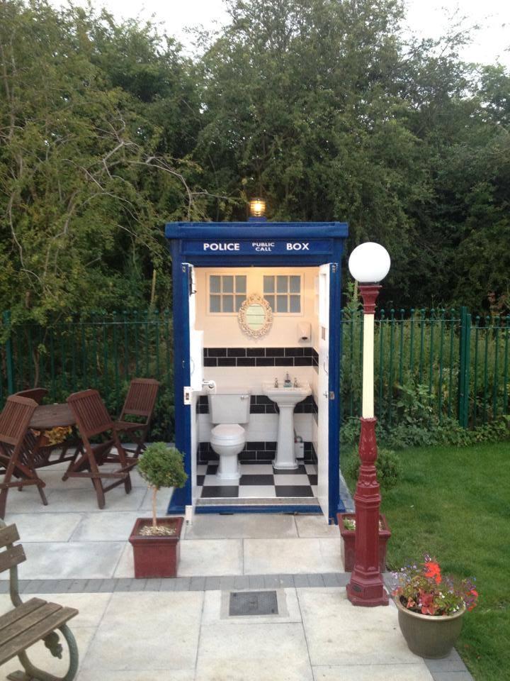 The Doctor Who Tardis Loo Geek Decor