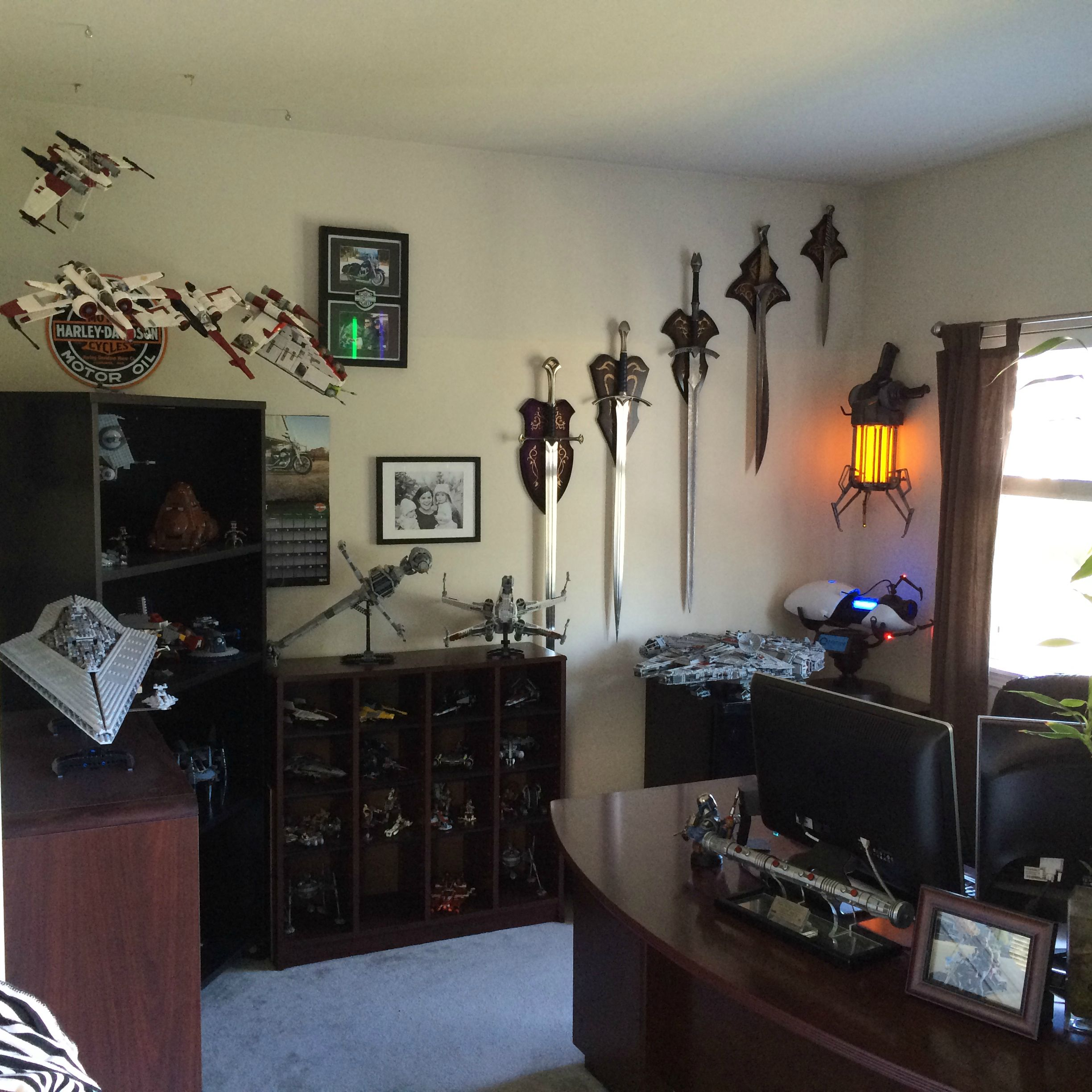 star wars room for the man who grew up geeky geek decor. Black Bedroom Furniture Sets. Home Design Ideas