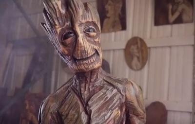 Chainsaw Groot - Geek Decor
