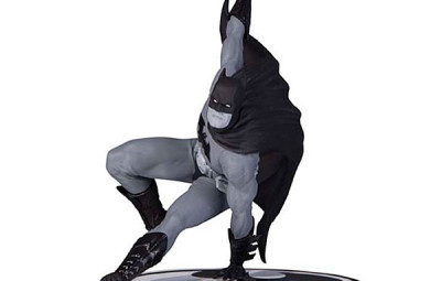 Batman Black and White Statue Series - Geek Decor