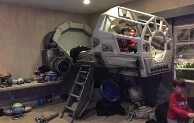 Millennium Falcon Bed - Geek Decor
