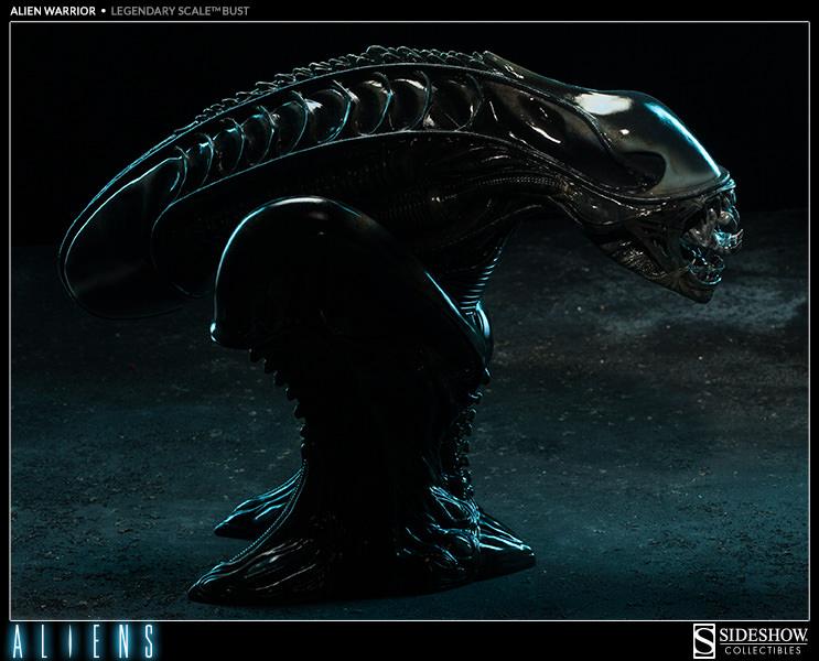 This alien warrior will make you jump geek decor for Alien decoration